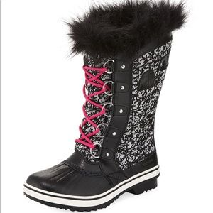 NWT Sorel Tofino II Faux Fur Quilted Boots, Black